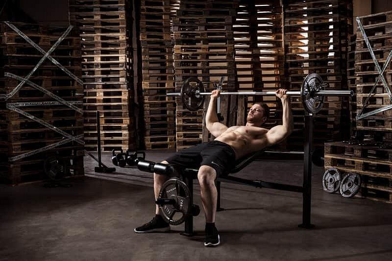 Multifunkční posilovací lavice WB60 Olympic Width Weight Bench, Tunturi