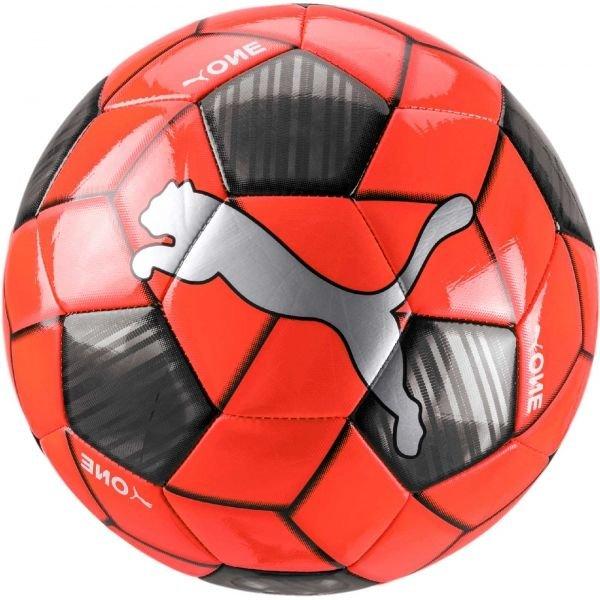 Červený fotbalový míč Puma