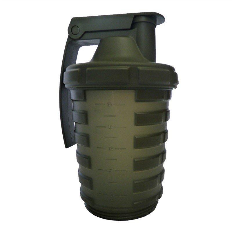 Zelený shaker Grenade - objem 600 ml