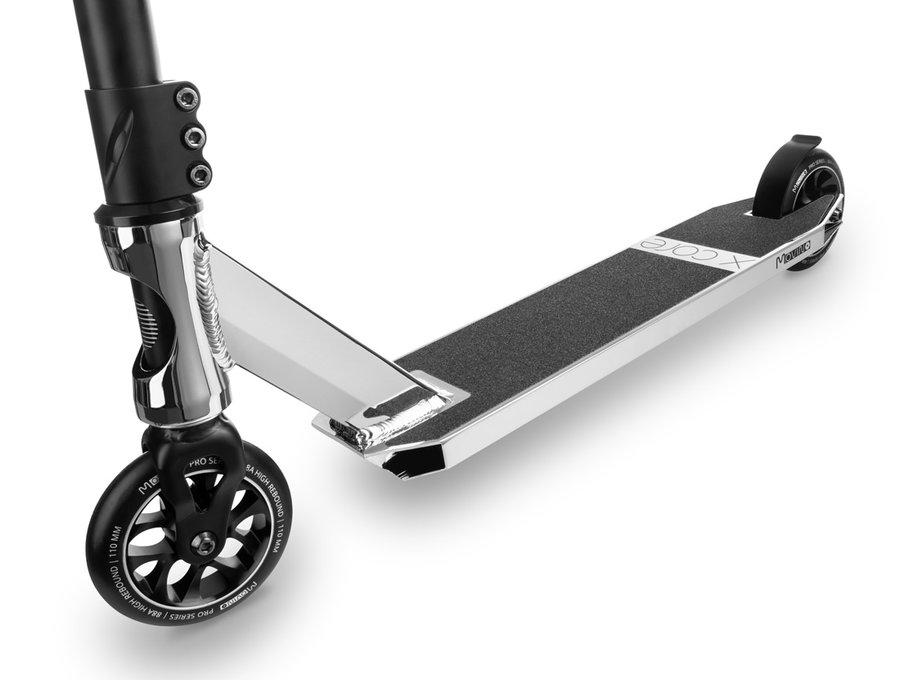 Stříbrná freestylová koloběžka Movino - nosnost 100 kg