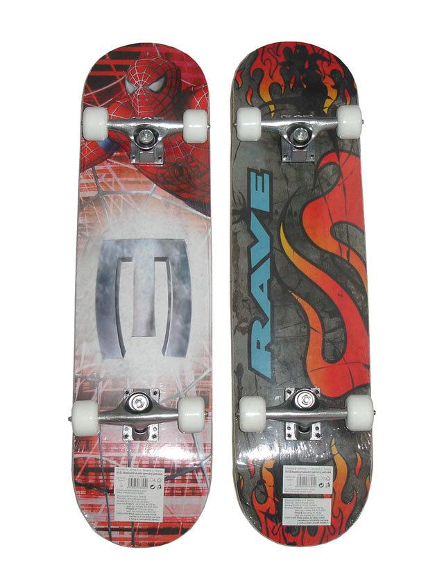 Různobarevný skateboard Acra - délka 78 cm a šířka 20 cm