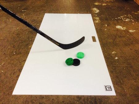 Bílá hokejová střelecká deska Winnwell - délka 150 cm a šířka 75 cm
