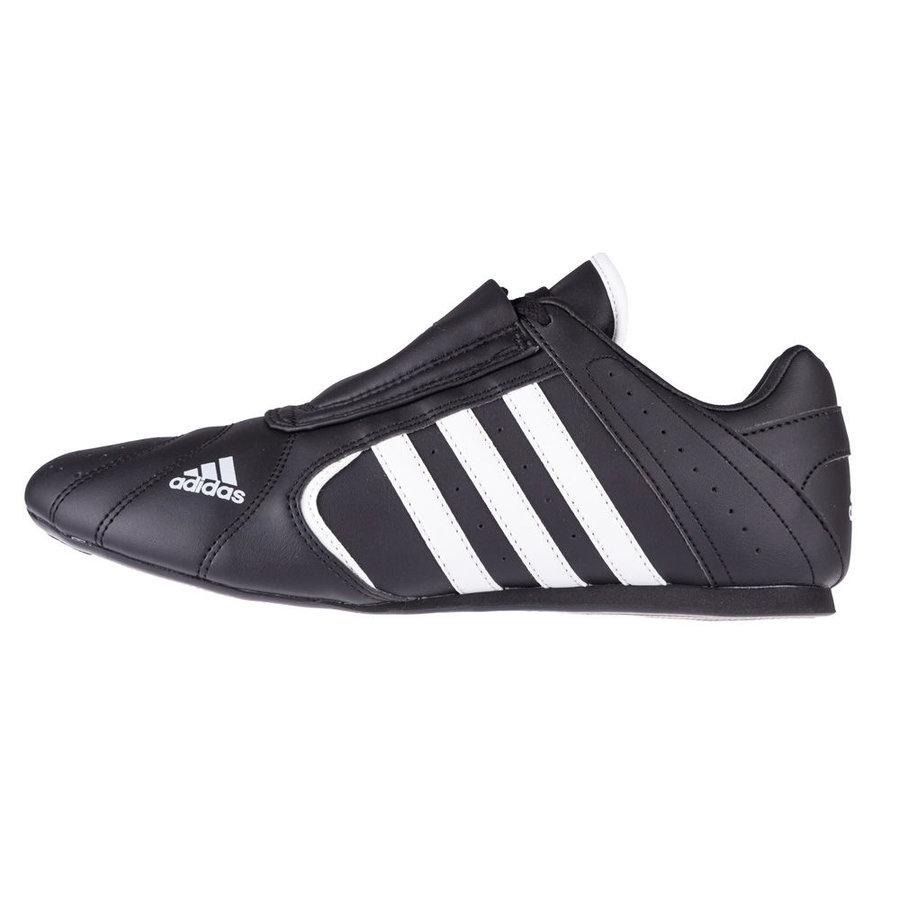 Černá sálová obuv Adidas