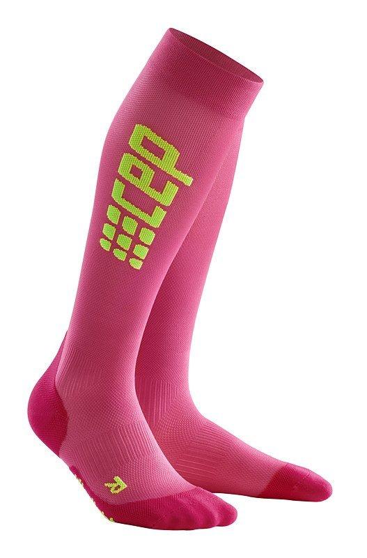 Růžové vysoké dámské běžecké ponožky CEP - univerzální velikost