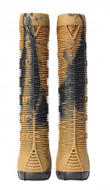 Černo-hnědé gripy na koloběžku Blunt - délka 16 cm