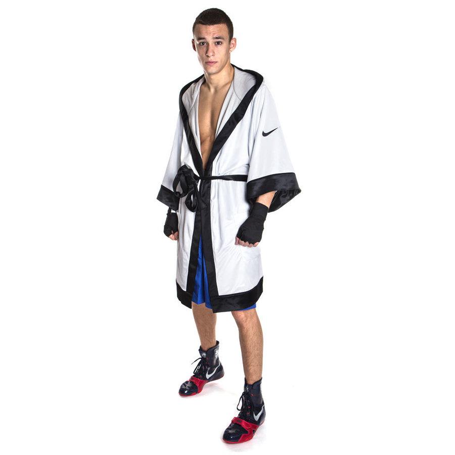 Bílý boxerský plášť Nike