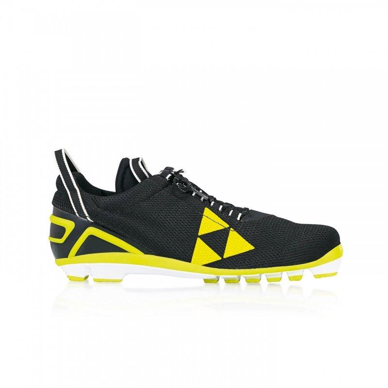 Černo-žluté boty na kolečkové lyže RCS, Fischer