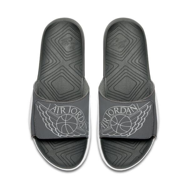 Bílo-šedé pánské pantofle Nike