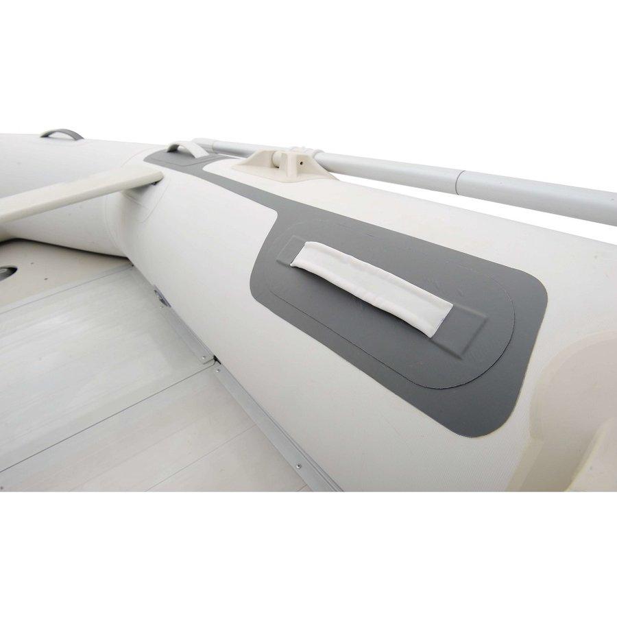Bílý nafukovací člun s dřevěnou podlahou pro 5 osob DELUXE, Aqua Marina