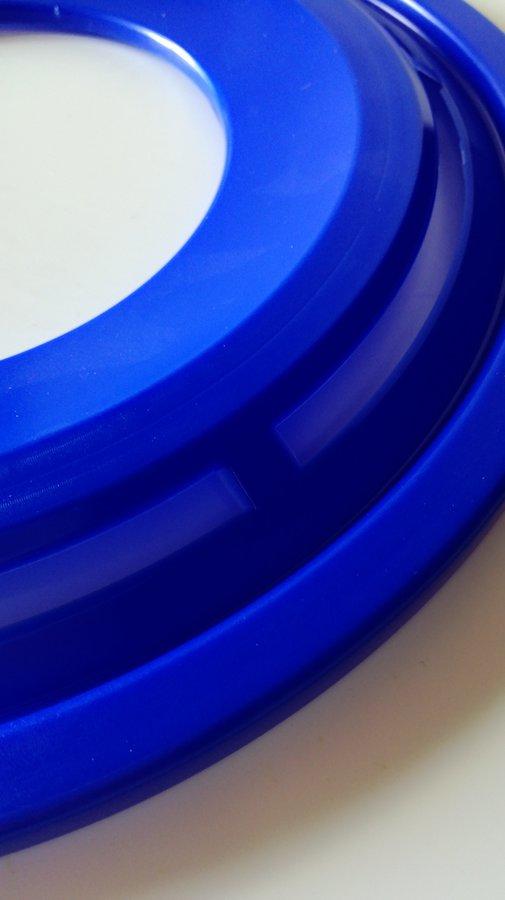 Modrý plastový létající kruh Lori - průměr 28 cm