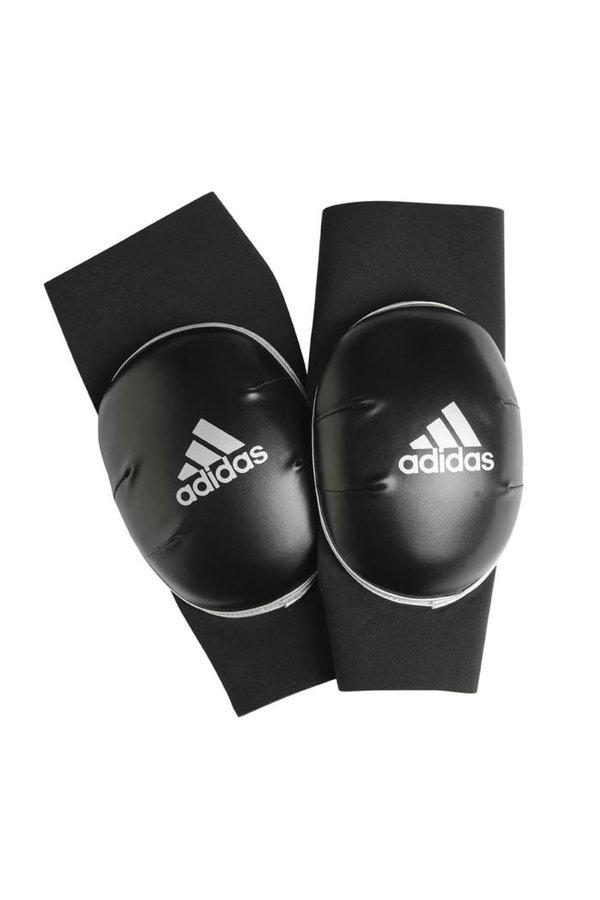 Černé chrániče na kolena Adidas