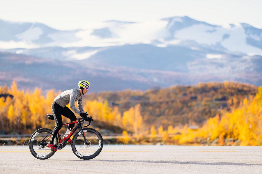 Dlouhé pánské cyklistické kalhoty se šlemi s vložkou Craft - velikost L