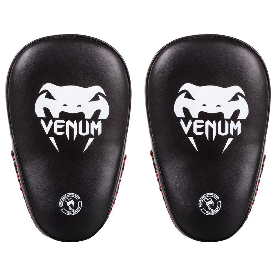 Černá lapa Venum