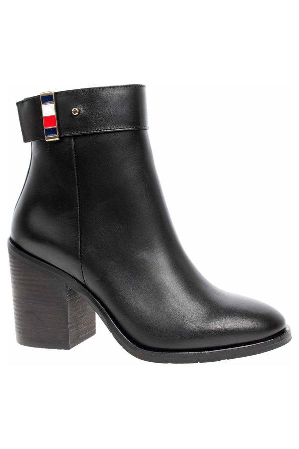 Černé dámské zimní boty Tommy Hilfiger