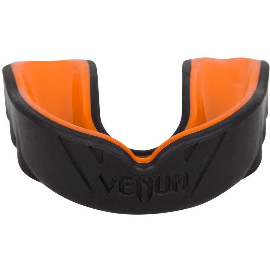 Černý chránič na zuby na bojové sporty Venum