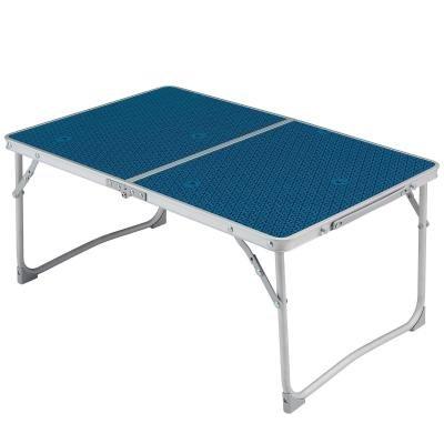 Rozkládací kempingový stůl Quechua - délka 64 cm, šířka 42 cm a výška 30 cm