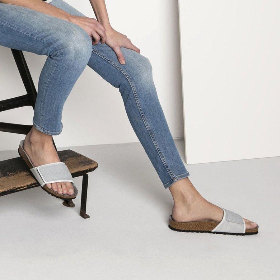 Šedé dámské pantofle Birkenstock