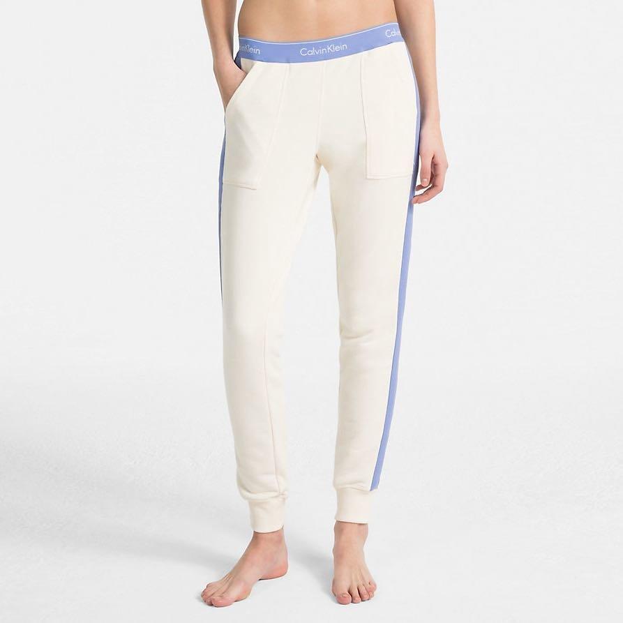 Bílé dámské tepláky Calvin Klein - velikost M