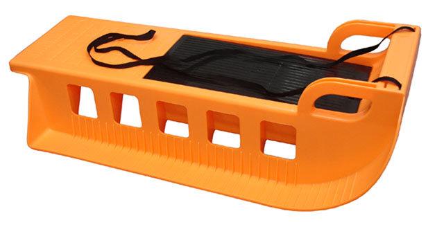 Oranžové plastové sáňky Kamzík, Acra