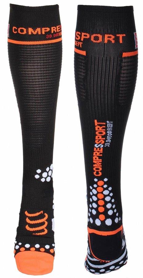 Bílé pánské běžecké ponožky CompresSport