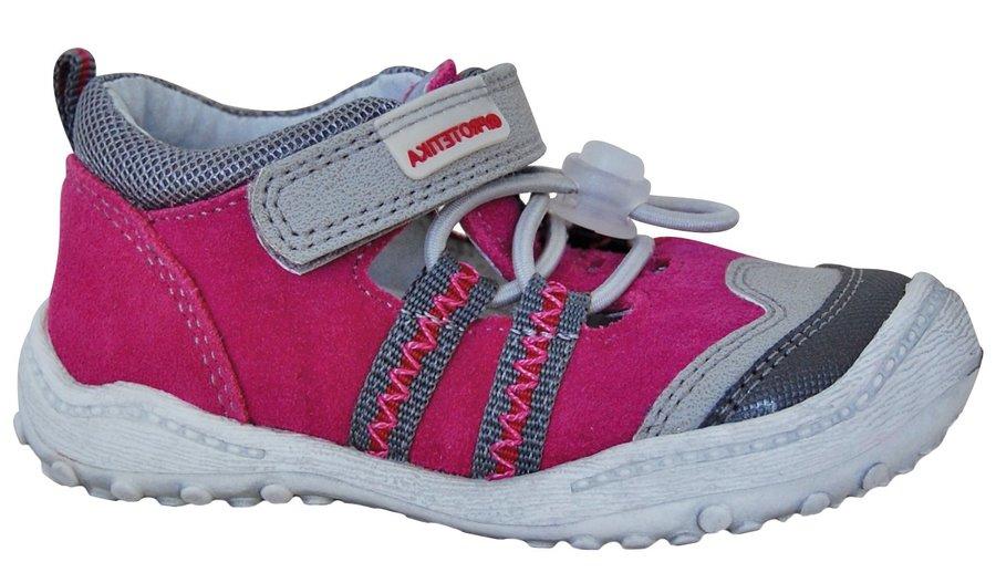 Růžové sandály Protetika