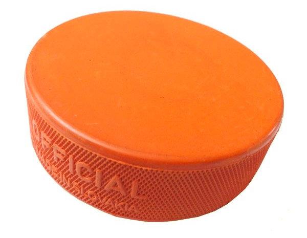 Oranžový hokejový puk Hejduk