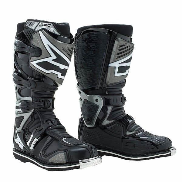 Motorkářské boty