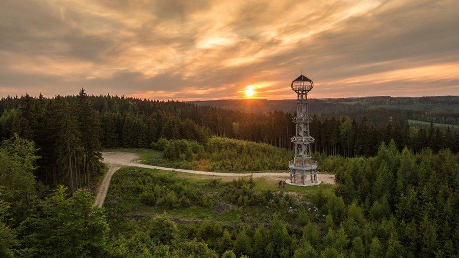 Zdroj: http://www.zivykraj.cz/cz/objevujte/rozhledna-cibulka